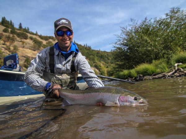Klickitat_steelhead_fly_fishing_guides_washington_state-1