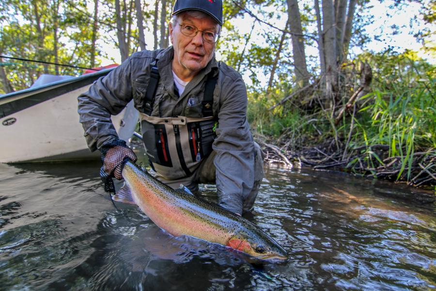 Washington summer steelhead fly fishing klickitat river for Fishing charters washington state